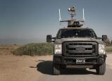 شاهدوا : سيارة دون سائق مسلحة على حدود غزة