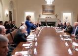 ترامب يفض اجتماع بعد علمه بتمرير تشريع يدين قراره بسحب القوات من سوريا