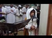 #فيديو طفل بعمر 4 سنوات يُصلي بالناس في الأردن ويُدهشهم بصوته الشجي