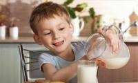 طفلك لا يشرب الحليب: جربي هذه النصائح