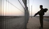 بعد قلق اسرائيلي كبير .. الشخص الذي نجح بالتسلل اليوم الى غزة هو فلسطيني