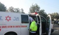 إصابة 9 أشخاص بجراح متفاوتة بحادث طرق في مركز البلاد