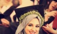 بعد تتويجها الأولى في البحث العلمي عربياً , الشابة لينا أبو الظاهر : فلسطين تستحق ونجاحي أهديه لها