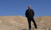يتفقد الحدود الإسرائيلية المصرية
