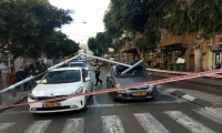 تل ابيب - سقوط اشارة ضوئية على سيارتين دون اصابات