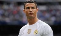 نجوم ريال مدريد يشكون لزيدان أنانية رونالدو