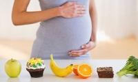 إفراط الحامل في الأكل خطر على حياة طفلها