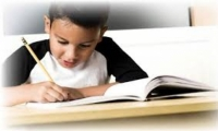 اطعمة ومشروبات تساعد طفلك على الدراسة للامتحان