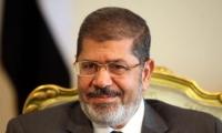 مرسي يعين 17 محافظا والمعارضة تدعو لمظاهرات