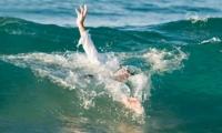 مصرع طفل من رهط تعرض للغرق بشاطئ يافا