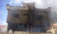 كفرقرع : إندلاع حريق هائل في بيت مهجور بالقرب من مدرسة الحكيم الإبتدائية