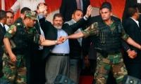 الجيش يحتجز مرسي واعتقالات لمؤيديه
