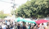 كفرقاسم تحيي ذكرى شهدائها باضراب عام ومسيرة