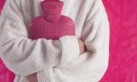 5 أسباب لآلام البطن عند الصغار وعلاجها