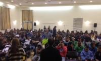 محاضرات توعية حول مخدرات الاكشاك في المدرسة الثانوية التكنولوجية الجديدة المكر