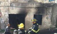 اندلاع النيران بمنزل مهجور في حي المحاجنه بام الفحم