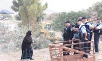 هدم 17 مبنى في قرية عتير والسلطات تخفي اثار الهدم