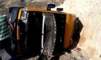 اصابة 6 مواطنين بانقلاب مركبة شرق بيت لحم
