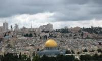 قمم المساجد تبكي بقلم نزيهه عاصي