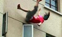 سقوط فتاة من الطابق الثاني ببلدية باقة ونقلها للمشفى لتلقي العلاج