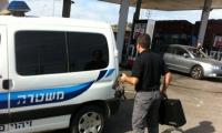 ثلاثة مشتبهين يسطون على محطة وقود