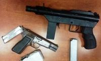 اعتقال فحماوي يبلغ 45 عاما بعد العثور على مسدس وبندقية في ساحة منزله