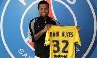 رسميًا.. باريس سان جيرمان يضم البرازيلي داني ألفيس