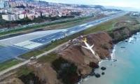 طرابزون - طائرة تركية تخرج عن مسارها و تسقط قرابة البحر