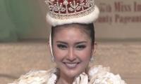 """الإندونيسية """"كيفين ليليانا"""" تفوز بلقب ملكة جمال العالم 2017"""