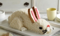 كيف تصنع كيك علي شكل الأرنب بالخطوات