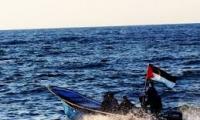زورق حربي مصري يطلق النار على صيادين فلسطينيين